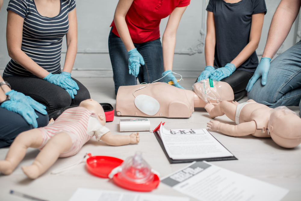 3 Reasons to Take a Group CPR Class