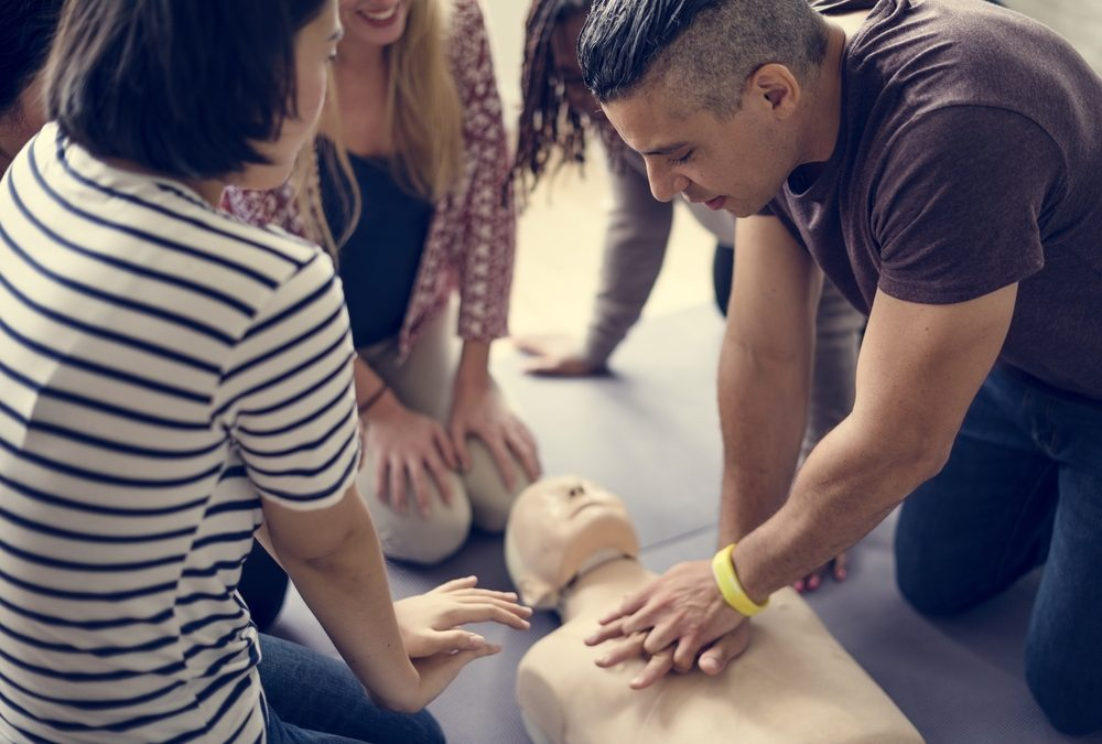 Should Workplaces Offer CPR Classes in Spanish?